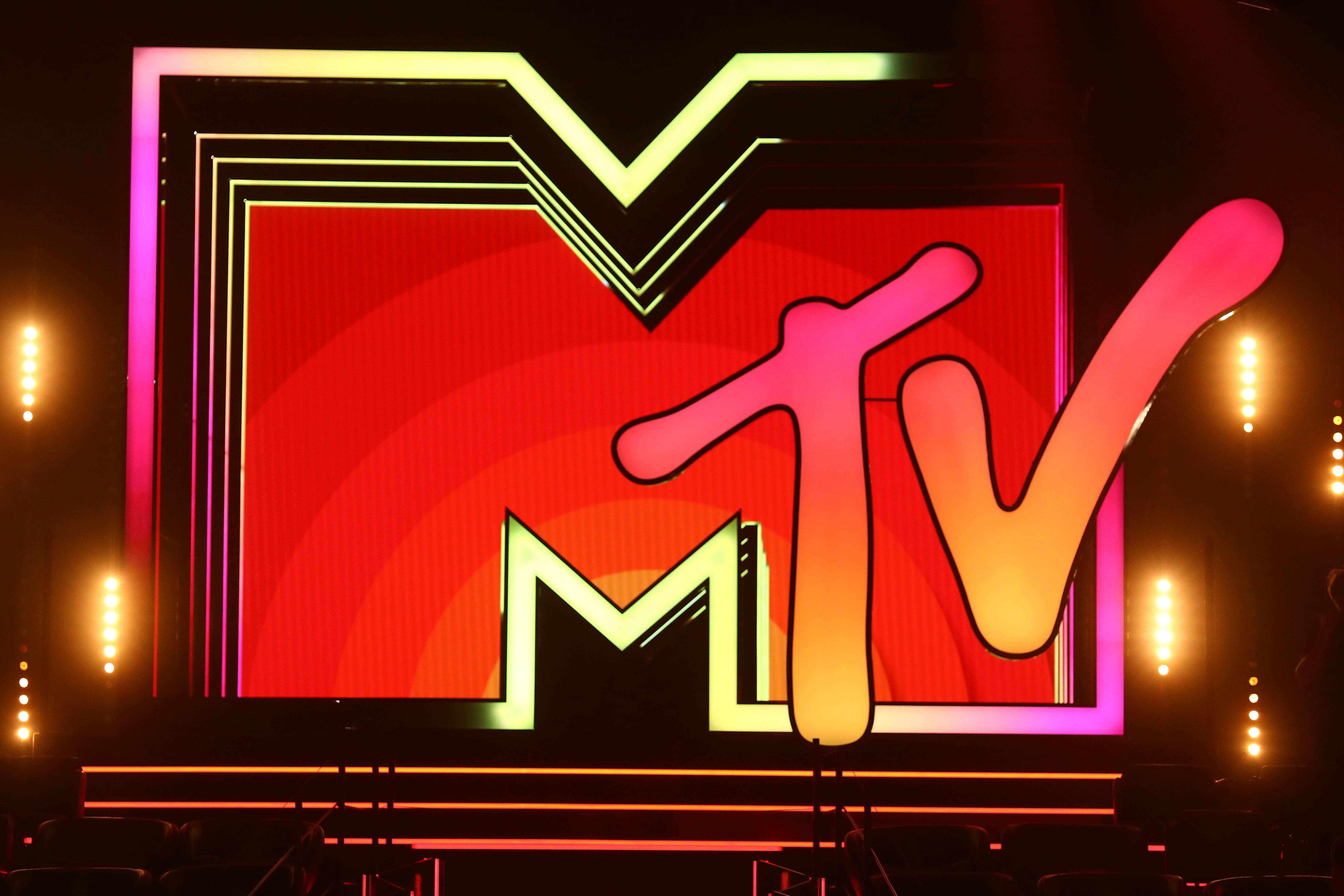 Red_Carpet_Reveal_-_MTV_EMAs_Seville_2019_-_43-min